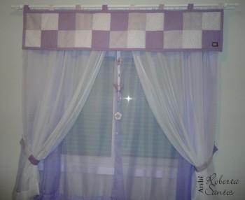 Cortina de patchwork lilás